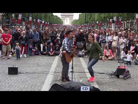 Medley de Youri Menna sur les Champs Elysées le 14 juillet 2016.