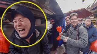 White Guy Gets Street Food in Rare Chinese Dialect, STUNS Locals