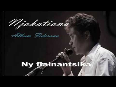 Njakatiana- Hira Fiderana -