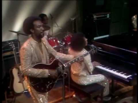THREE TIMES A LADY - THE COMMODORES - (1978) - YouTube