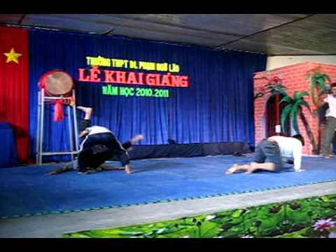 Đội teakwondo F11 Gò Vấp biểu diễn
