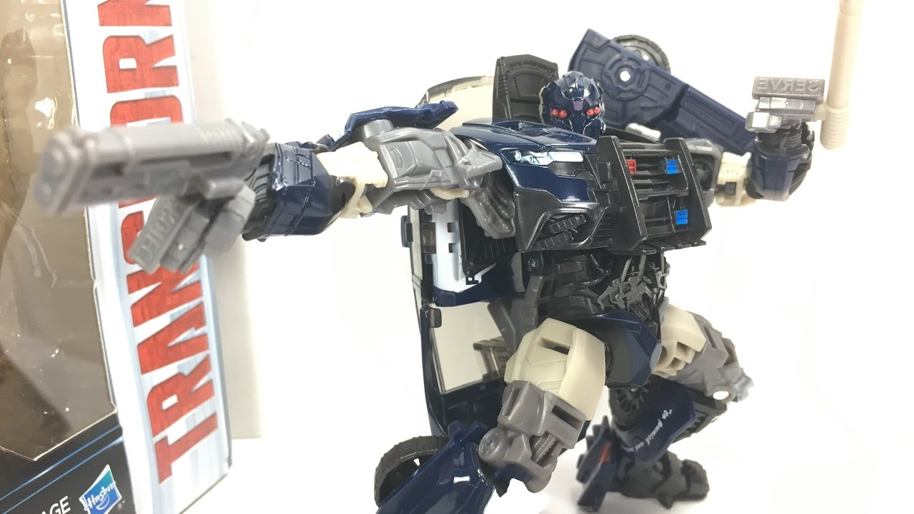 transformers the last knight deluxe barricade chefatron toy review youtube. Black Bedroom Furniture Sets. Home Design Ideas