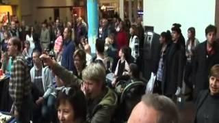 Flash Mob - Hallelujah Chorus in Food Court