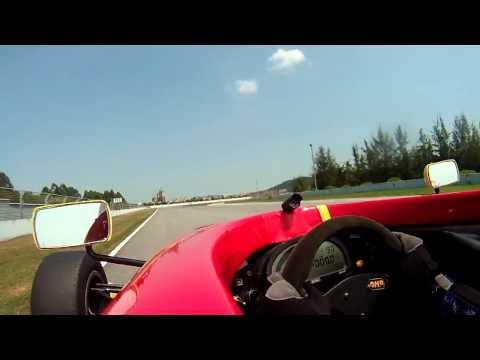 Formula Ford Campus - Zhuhai International Circuit (ZIC) - Open practice - Getting better