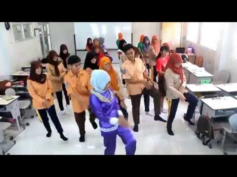 FLASHMOP GOYANG PENGUIN by UNPAT (UNity of PhArmacy Two) SMKN5 PANGKALPINANG