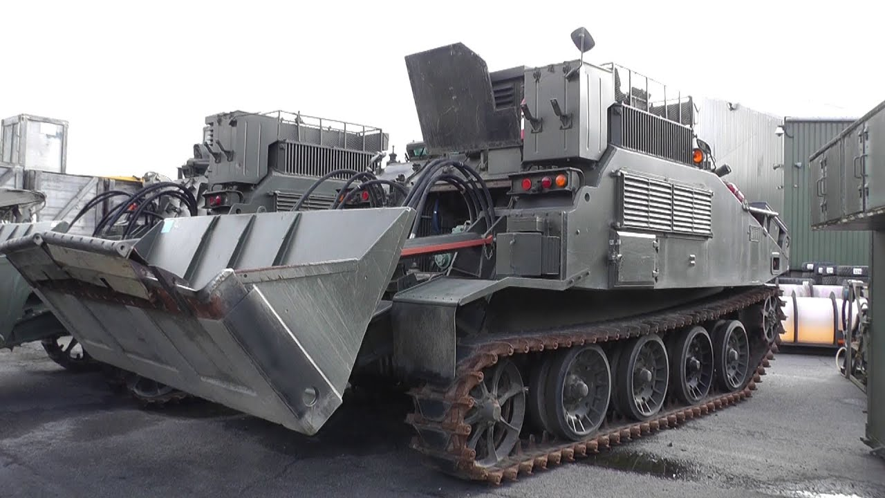 Witham Military Tender Auction - Surplus Tanks Afvs Trucks