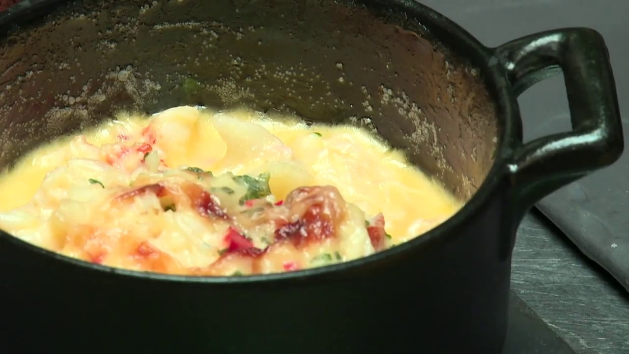 Learn how to make QC's Baked Crabmeat with Avocado and Tomato Salsa