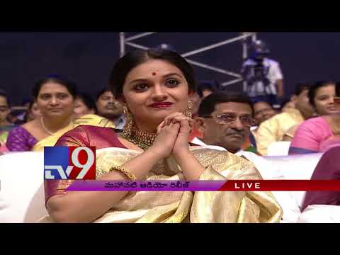 Keerthy Suresh looks ditto like Savitri - Mickey J. Meyer @ Mahanati Audio Launch - TV9