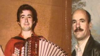 Repeat youtube video CANTARES AO DESAFIO CUNHA DE VILA VERDE e LEIRAS DE SOAJO 1998