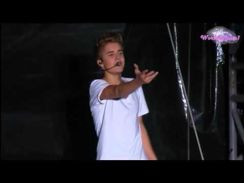 Justin Bieber  Eenie Meenie En El Zocalo De México Oficial HD