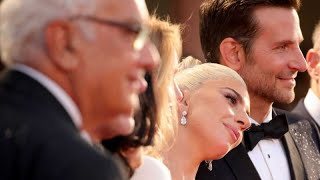 Baixar Bradley Cooper and Lady Gaga can´t hide their passion