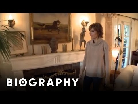 Celebrity house hunting lisa rinna my house youtube for Home video tours