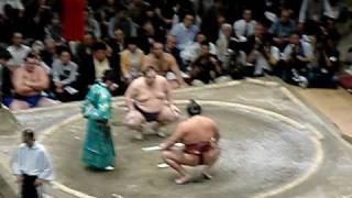 2010年9月場所14日目魁皇VS稀勢の里 三瓶宏志 検索動画 18