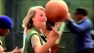 Video O Segredo da Mansão Aka Candleshoe (1978) Dublagem HR download MP3, 3GP, MP4, WEBM, AVI, FLV Oktober 2017