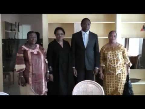 Une Journaliste Tabassée par les Etudiants de l'INBTP a Kinshasade YouTube · Durée:  1 minutes 26 secondes
