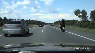 Зверство на трассе   Brutality on the road 12 08 2015