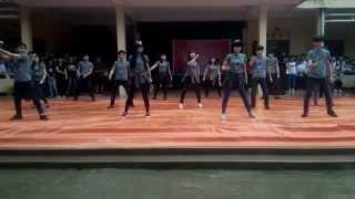 Nhảy dân vũ  Không phải dạng vừa đâu - Lớp 11c7 Trường THPT Lam Kinh