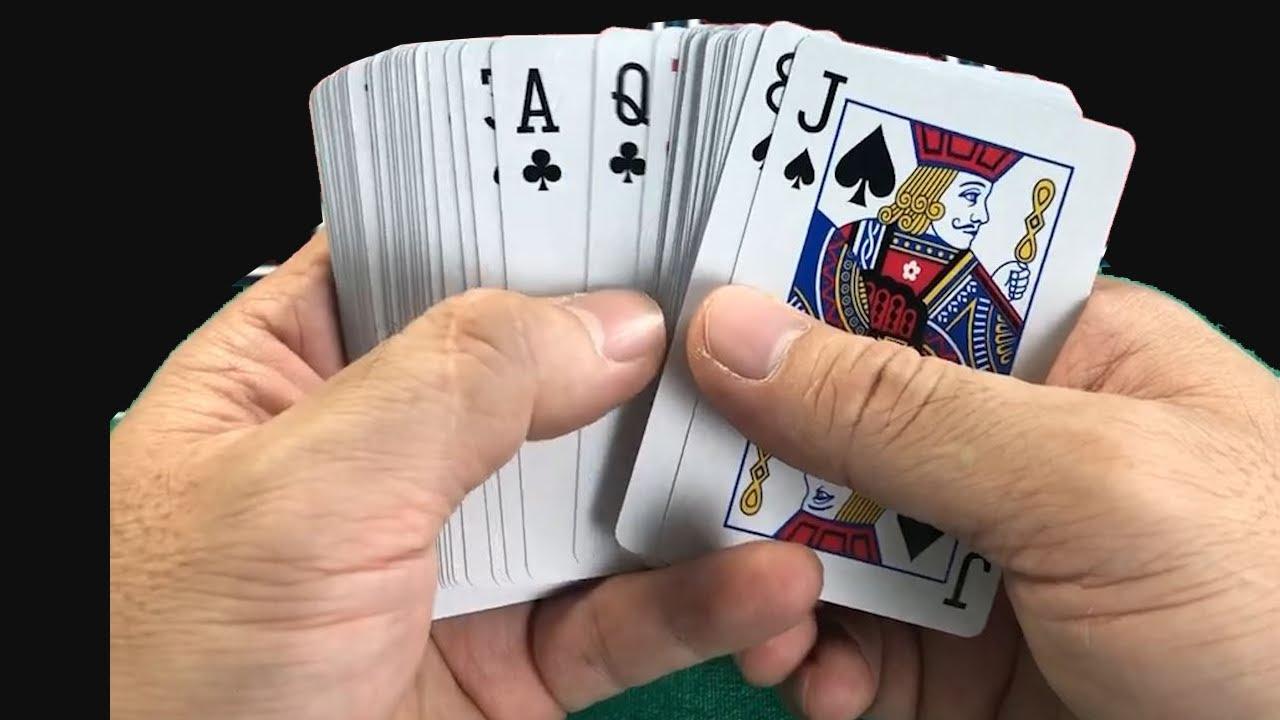 Xào Bài Giả - Đôi khi đôi mắt của bạn có thể phán đoán sai | Chia Bài Giả PokerTuan