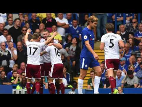 Chelsea debuta con derrota en la defensa de su título en la Premier League