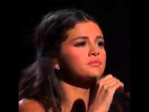 "Selena Gomez said ""Thank You Jesus"" during her performance at the ama."