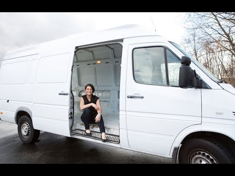 woman-quits-expensive-rents-to-live-in-a-van