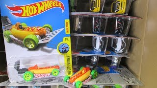 2017 P WW Hot Wheels Case Unboxing Video by RaceGrooves