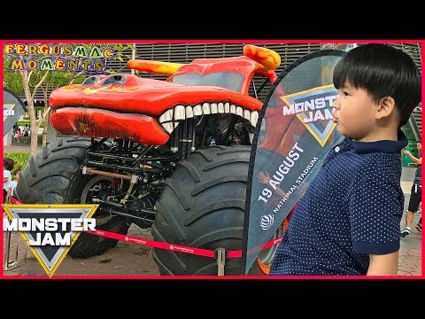 Monster Truck Competition Show at Monster Jam Singapore 2017 First Time Ever