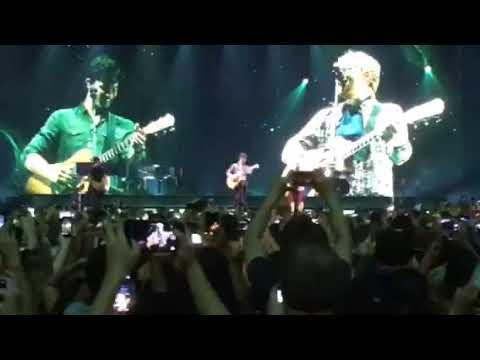 Shawn Mendes performing Mercy w/ Ed Sheeran - Barclays Center (Brooklyn) August 16, 2017
