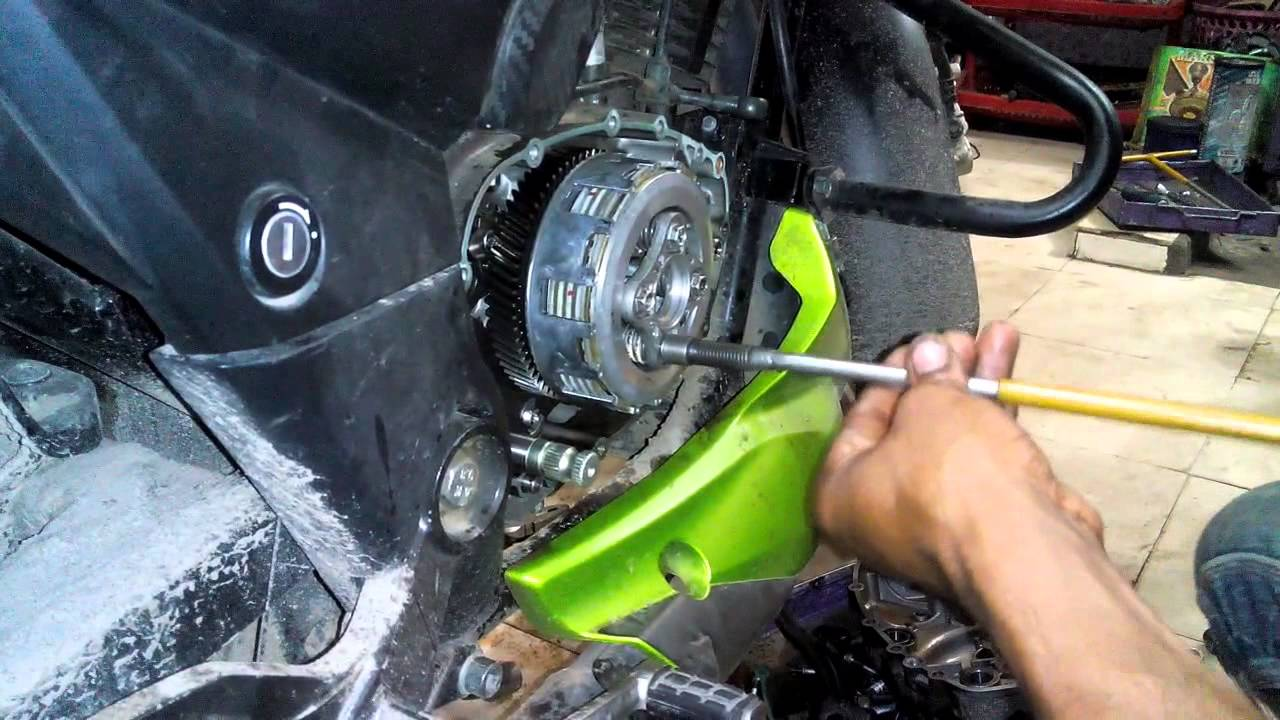 SOLVED: How to open seat of apache rtr 180cc - Fixya