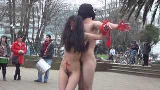 Repeat youtube video Manifestación pro aborto y una performance en Temuco.