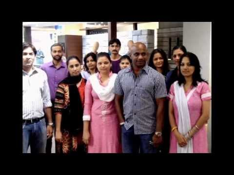 Jayasuriya visits Khaadi at Dolmen Mall, Clifton (Karachi)