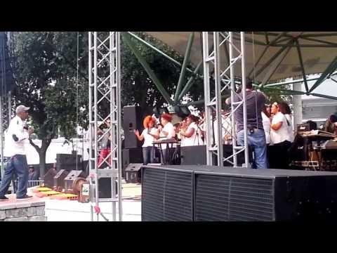 Ben-Hur Berroa cumple sueño de ver grupos de Gospel en vivo en Fort Lauderdale Fl Nov 2013