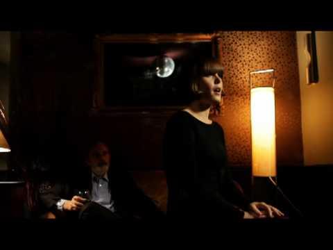 La Fiancée - Femme à gages (mini-clip)