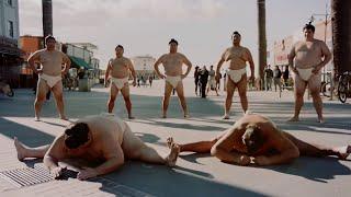 Toyota : 7 lutteurs de sumo pour la sécurité routière