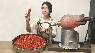 E19 Cooking Crayfish In Popcorn Popper BoomYour Spicy Crayfish Is To Be Served Immediately.