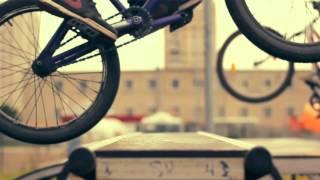 Экстрим прыжки на велосипедах BMX