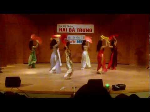 Q.eM: Non Nuoc Huu Tinh - Vietnamese Fan Dance (Mua Quat) Hai Ba Trung 2012