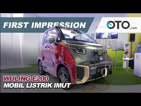 Wuling E200 First Impression Mobil Listrik Imut Oto Com Youtube