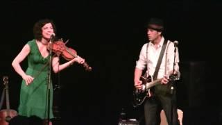 Carrie Rodriguez & Luke Jacobs