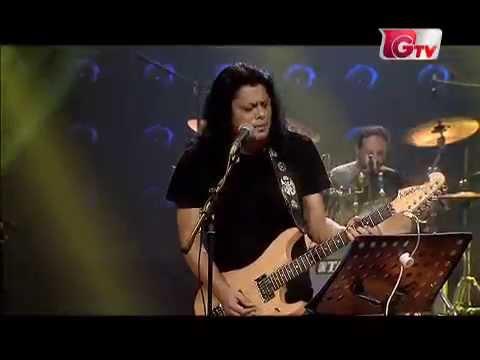 Poddo patar jol by James live @ Banglalink music fest