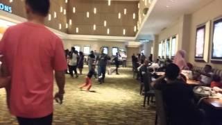 Video Bioskop XXI TSM Padat Penonton -Antrian Panjang Nonton Batman VS Superman download MP3, 3GP, MP4, WEBM, AVI, FLV Januari 2018