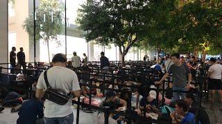 Belanja Buah di singapore -ANTRIAN IPHONE XS DI APPLE STORE ORCHARD ROAD