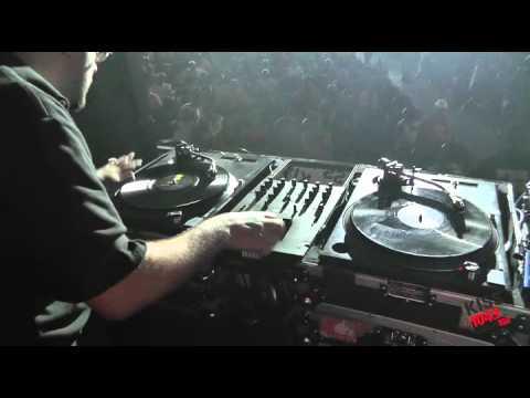 DJ Scientist at KISS 104FM Flashback 2012!