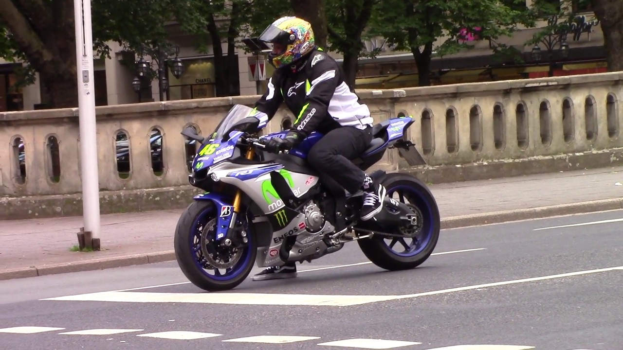 Yamaha R1 Driving Trough Dusseldorf