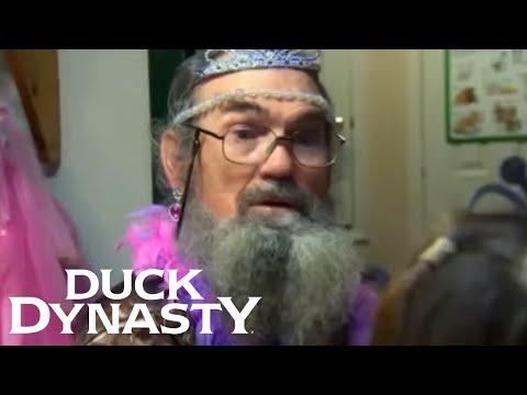 Duck Dynasty: Si Dresses Up Pretty (Flashback)   Duck Dynasty