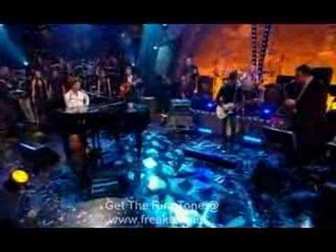 mika - grace kelly (live at jools annual hootenanny 31 - 12 - 2007)