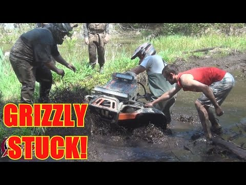 BIG YAMAHA GRIZZLY (ZOMBIE RESPONSE TEAM) STUCK?....CANADIAN LONG WEEKEND PART 8