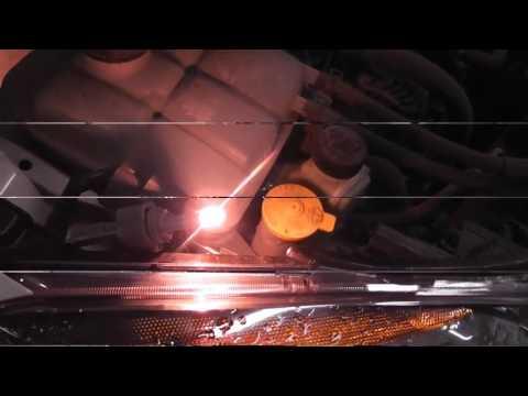 Замена Лампочки в передней фаре Mazda 3