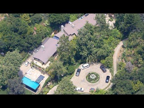 Jennifer lopez 39 s breathtaking 28 million bel air mansion for Jennifer lopez house address