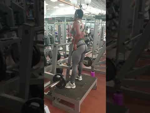 Gymequip.eu / Belt Squat Machine D8X / Workout In Italy